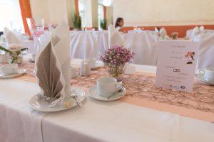 Komplettgestaltung der Hochzeitstafel